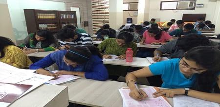 Manu Law Classes Delhi: Admission, Courses, Fees etc.
